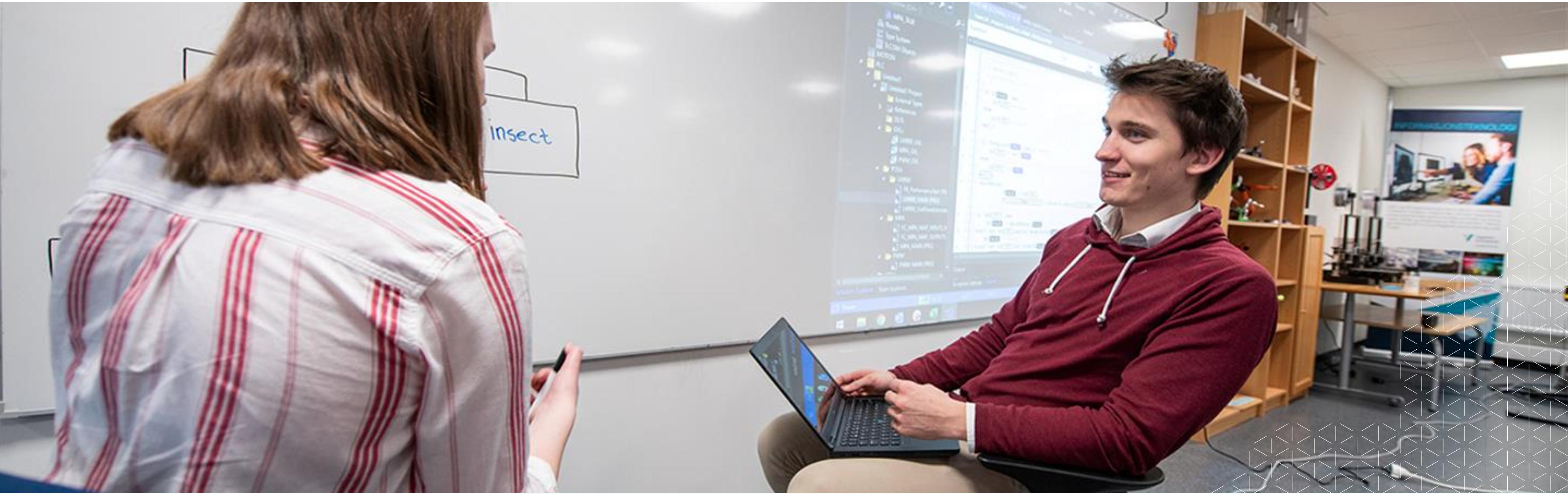 Studentpraksis - få deltidsjobb ved å studere Informasjonsteknolgi i Førde